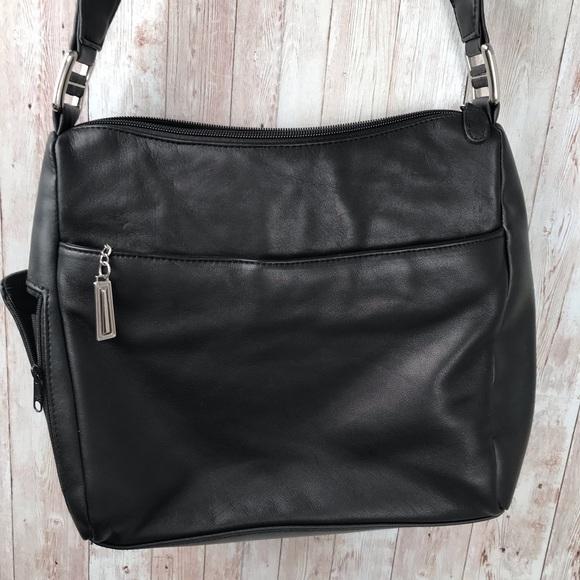 Vintage Handbags - Vintage black leather shoulder bag
